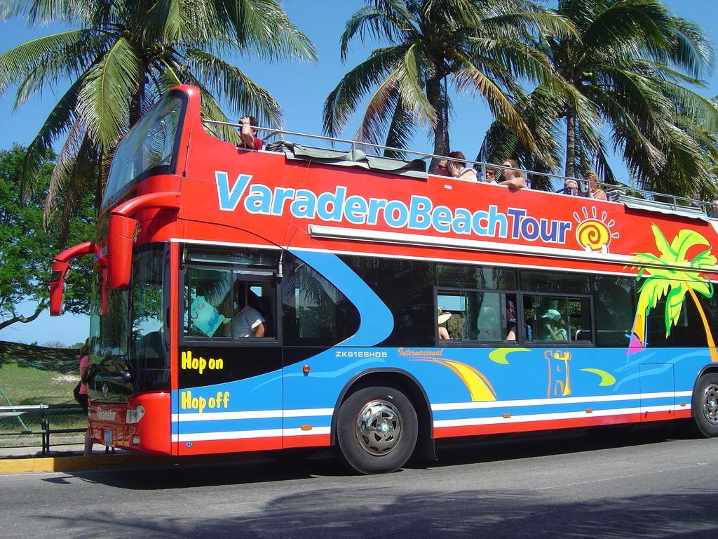 Vardero beach bus